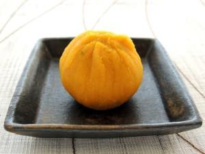 かぼちゃの柚子風味茶巾絞り