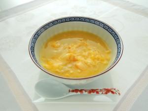 卵入り中華風コーンスープ