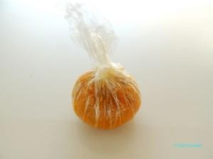 柚子ジャムを加えてラップで茶巾絞りしたら